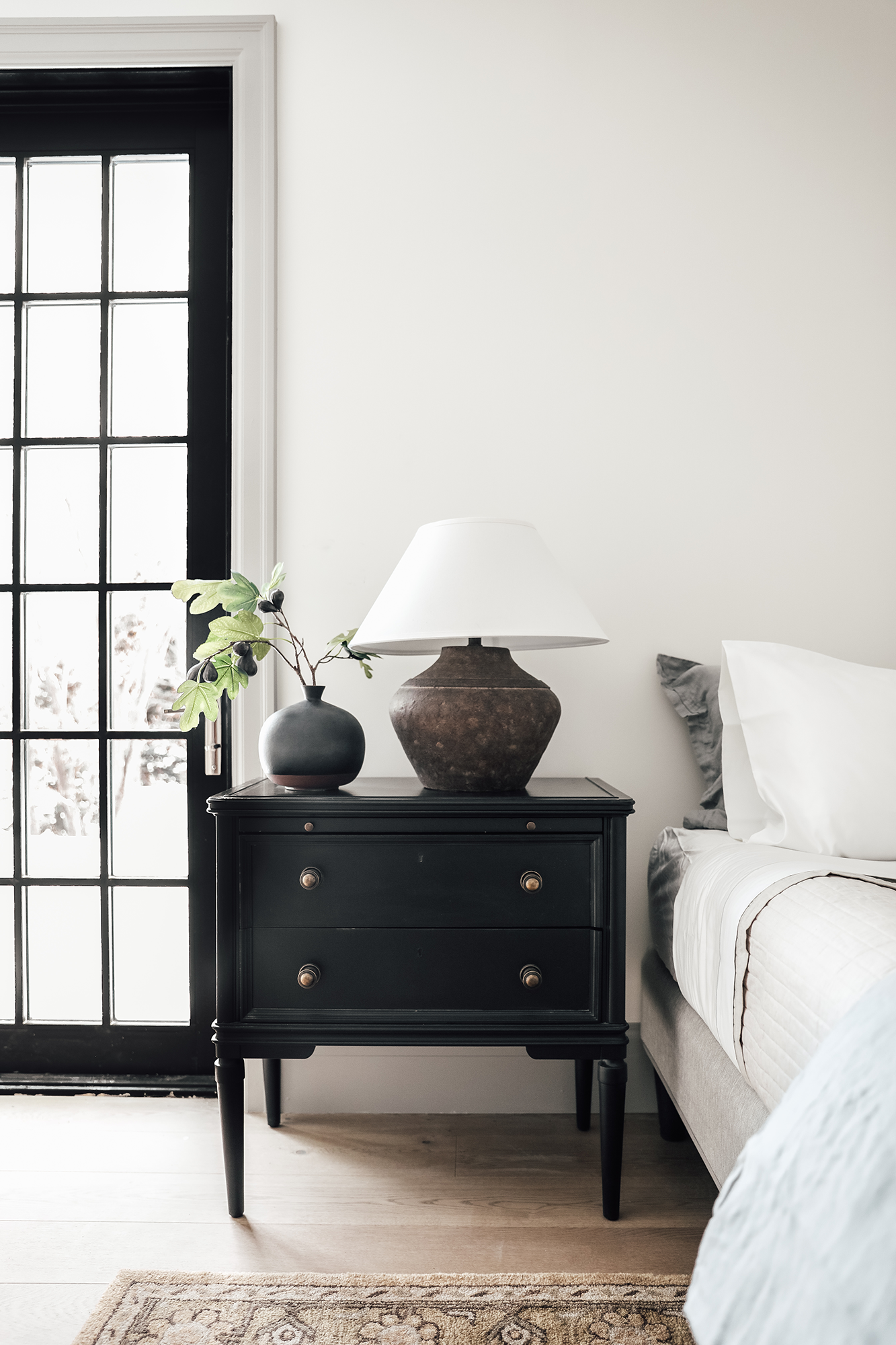 A Few Rules For Bedside Lamps And What Actually Made The Biggest Difference In Our Pantry Makeover In 2020 Guest Bedroom Decor Bedroom Design Bedroom Decor