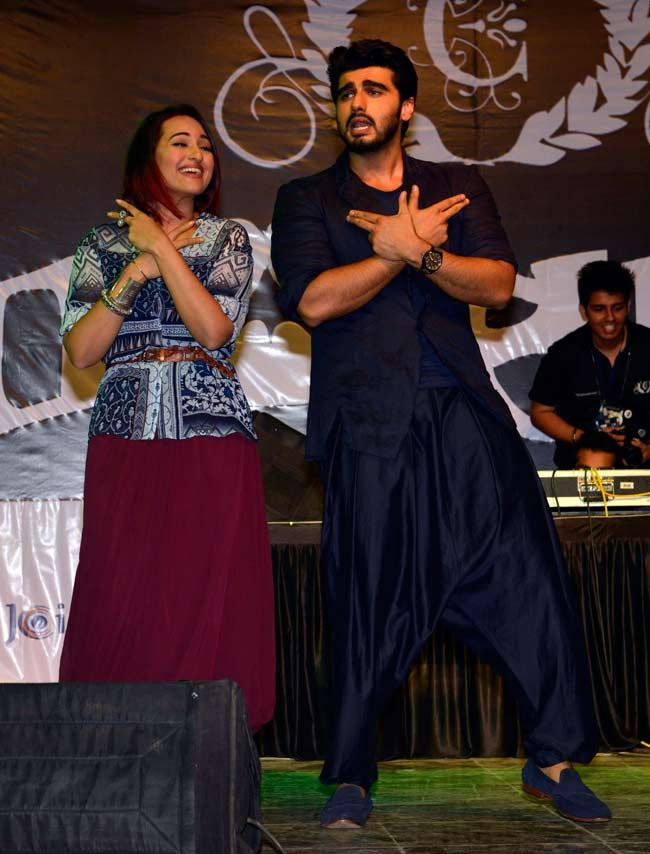 Sonakshi Sinha and Arjun Kapoor promoting Tevar at Mithibai College in Mumbai. #Bollywood #Fashion #Style #Beauty