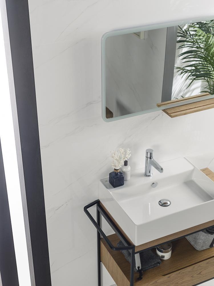 אריח קרמיקה טאסוס וויט Thasos White 45 120 של חברת פורצלנוסה Porcelanosa Small Bathroom Remodel Thassos Small Bathroom