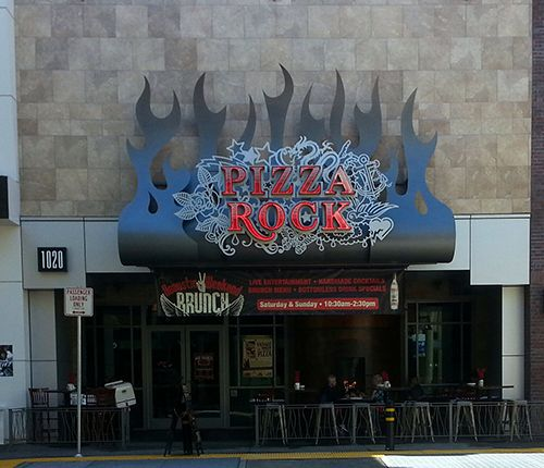 Pizza Rock Downtown Sacramento Ca One Of The Few Restaurants Open For Dinner And Ropriate Kids On A Budget In Area