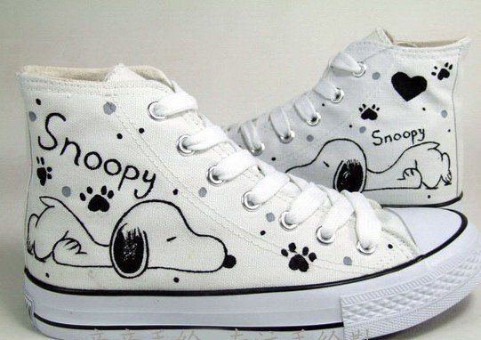 517e3159744570 Snoopy Hand Painted Shoes men s women s girl s shoes Canvas shoes Hand  Drawing shoes