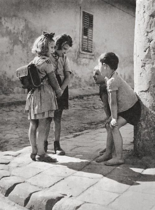Thomas (Tom) Veres  Boys and girls, Budapest, 1955