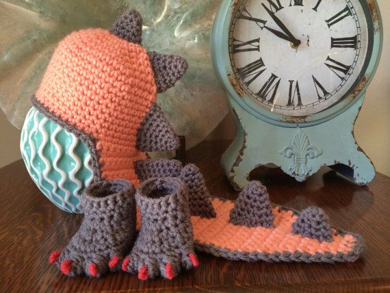 Crochet Dinosaur Hat and booties for Newborn by LiveOakCrochet ...
