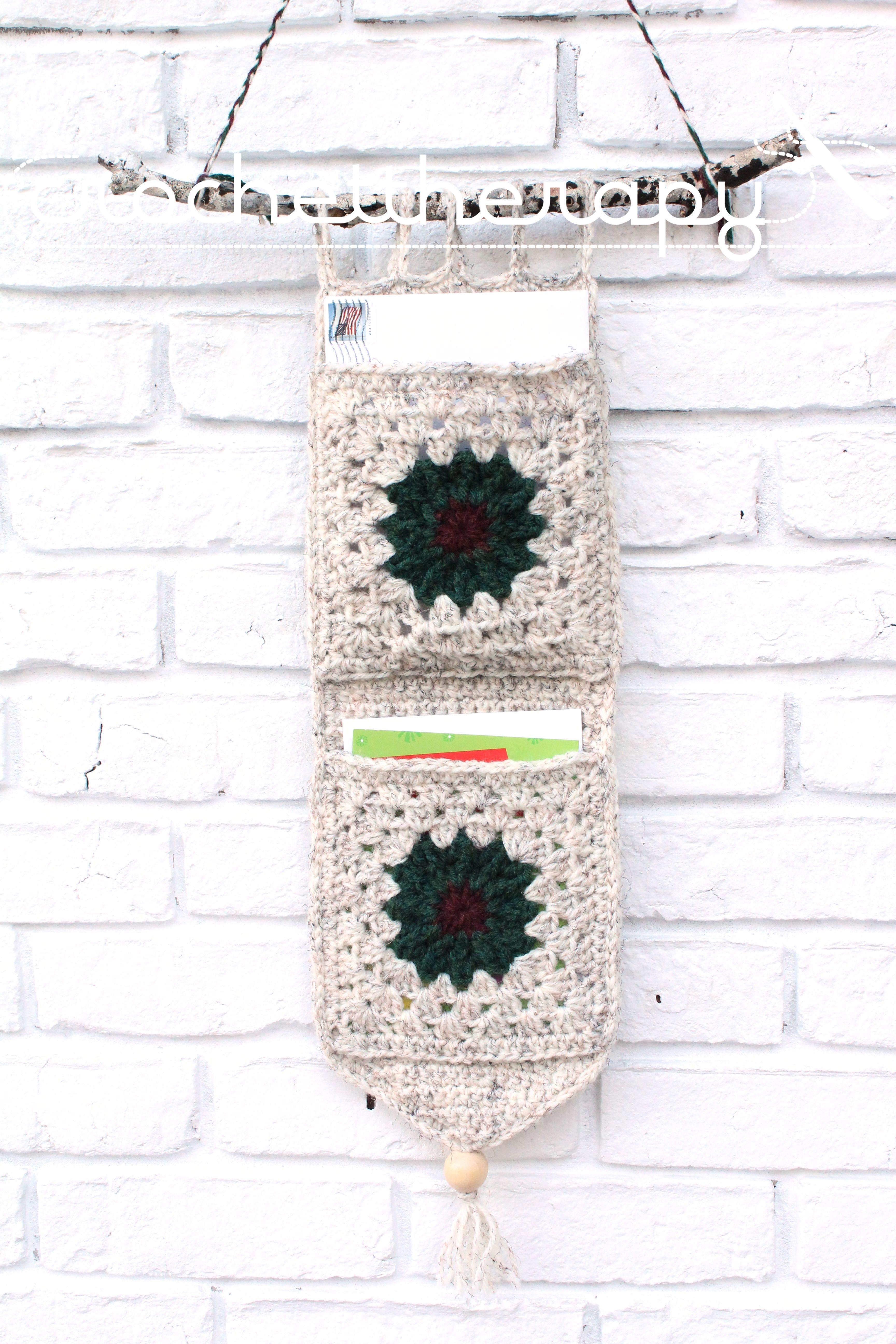 Crochet Wall Organizer: Free pattern   Figuras navideñas, Ganchillo ...