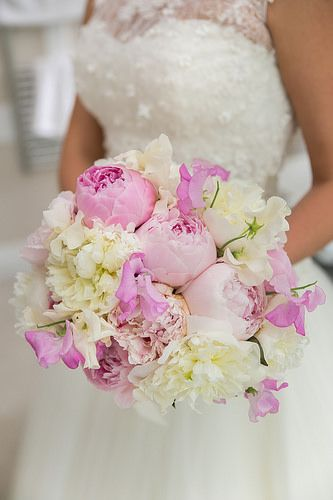 Peony and Sweet Pea bouquet by One Flew Over. Photo: Alexis Knight www.alexisknight.co.uk