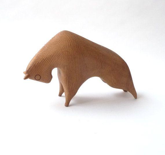 Talladas a mano modernista sueco madera Toro por mascarajones
