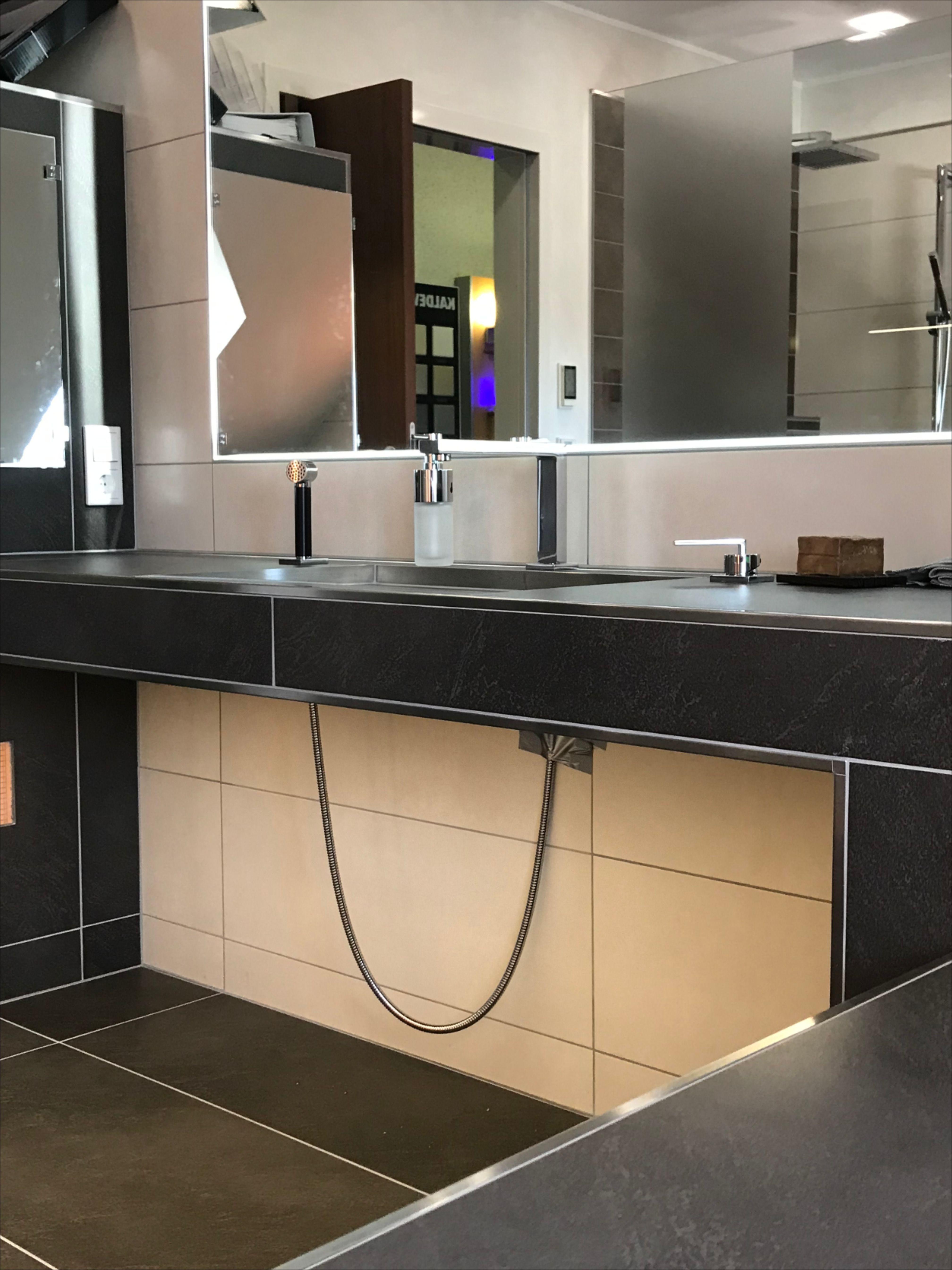 Waschtisch Aus Fliesen In 2020 Waschtisch Badezimmer Design Badewanne Dekoration