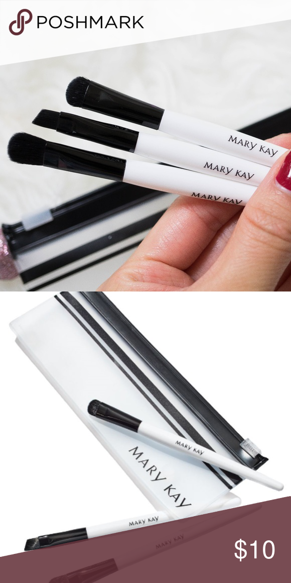 Mary Kay Mini Eye Brush Set Perfectly sized to toss in