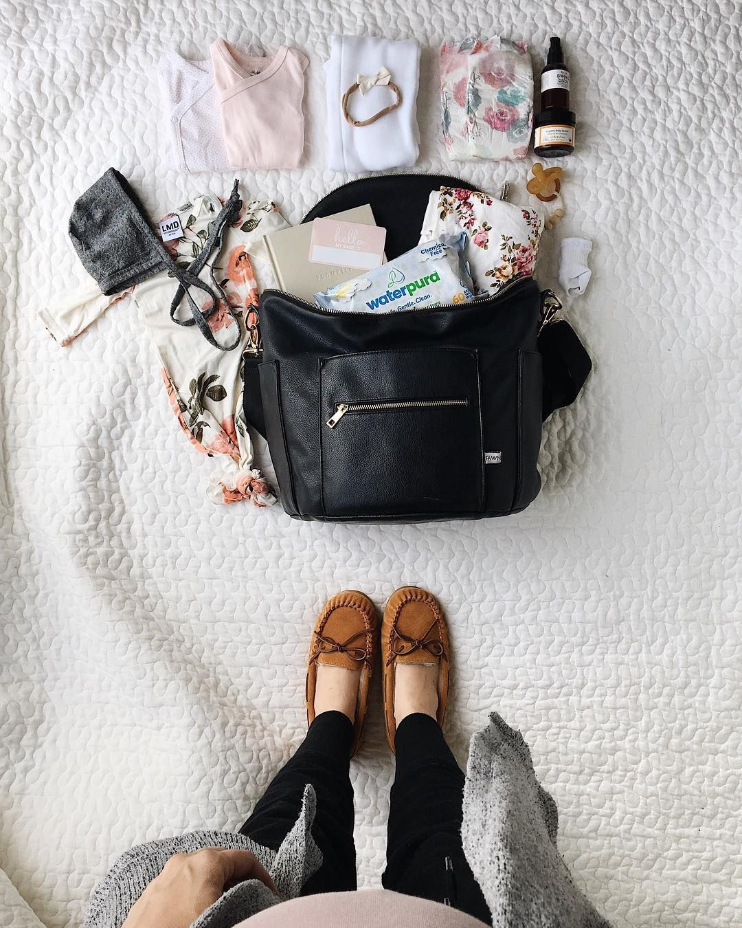 How To Pack Your Hospital Bag (With images)   Fashionable ...
