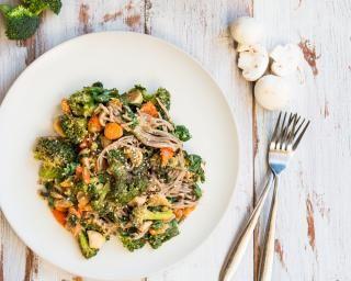 Nouilles aux légumes dautomne et aux champignons