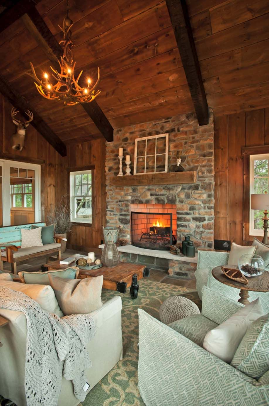 Warm And Inviting Rustic Lake House On Grand Traverse Bay Rustic