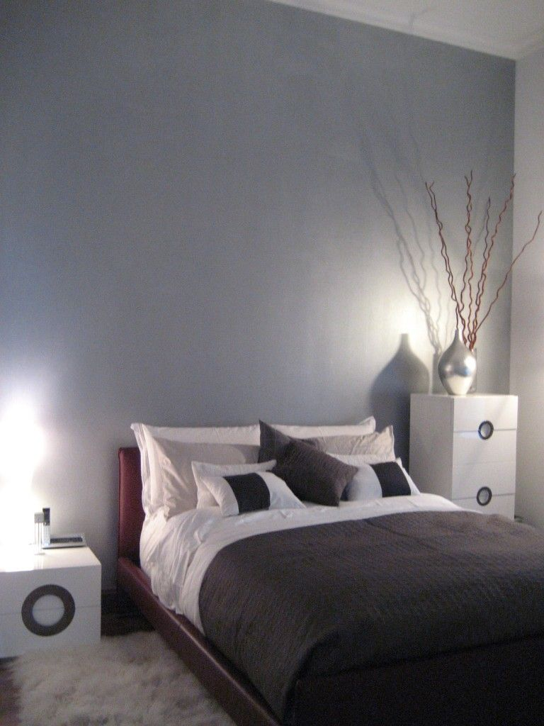 silver painted wall that i want for my room so bad for the home. Black Bedroom Furniture Sets. Home Design Ideas