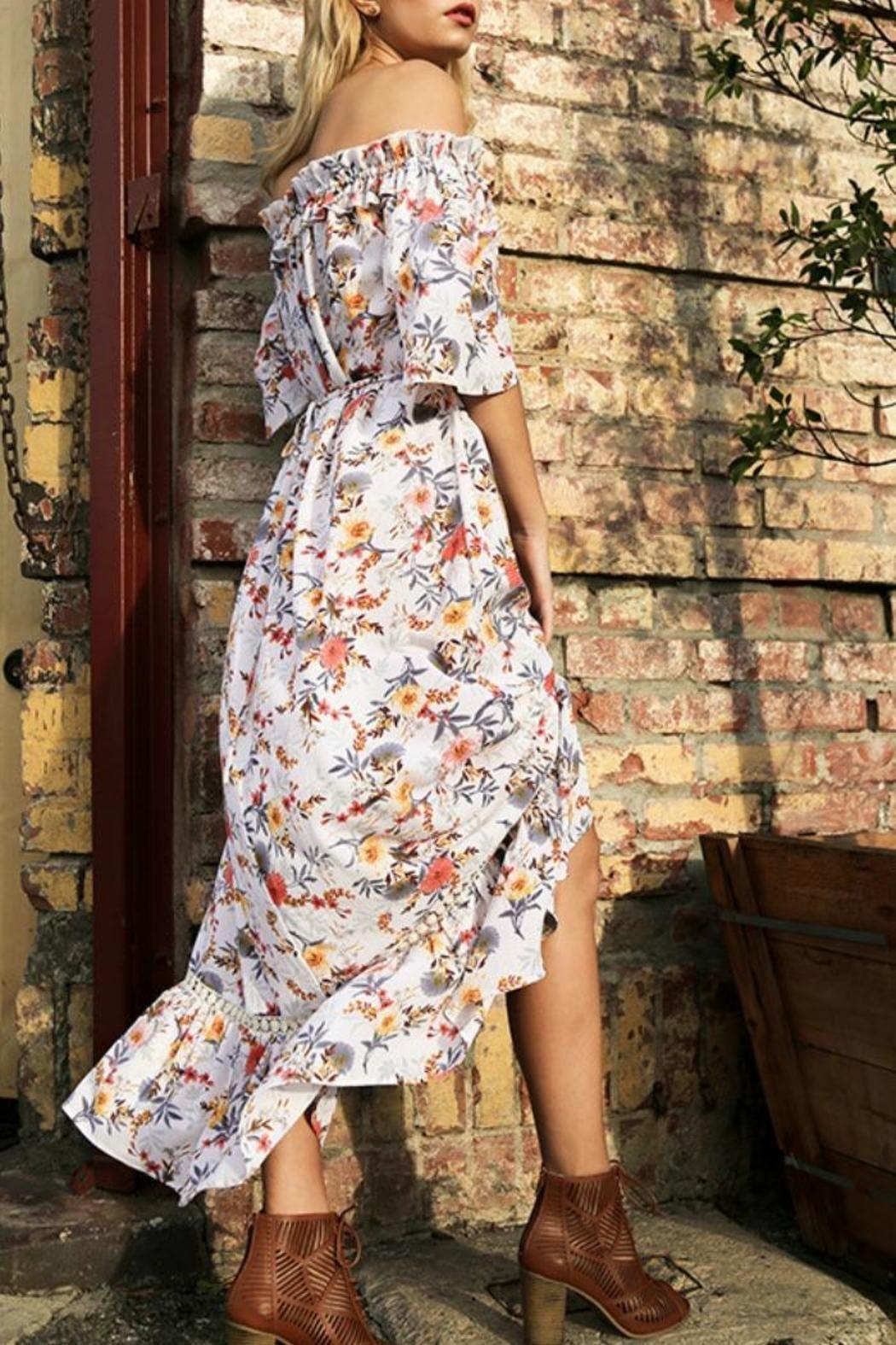 b12bd6bb81bb3 Floral Print Off Shoulder Maxi Dress. Model is 5 8