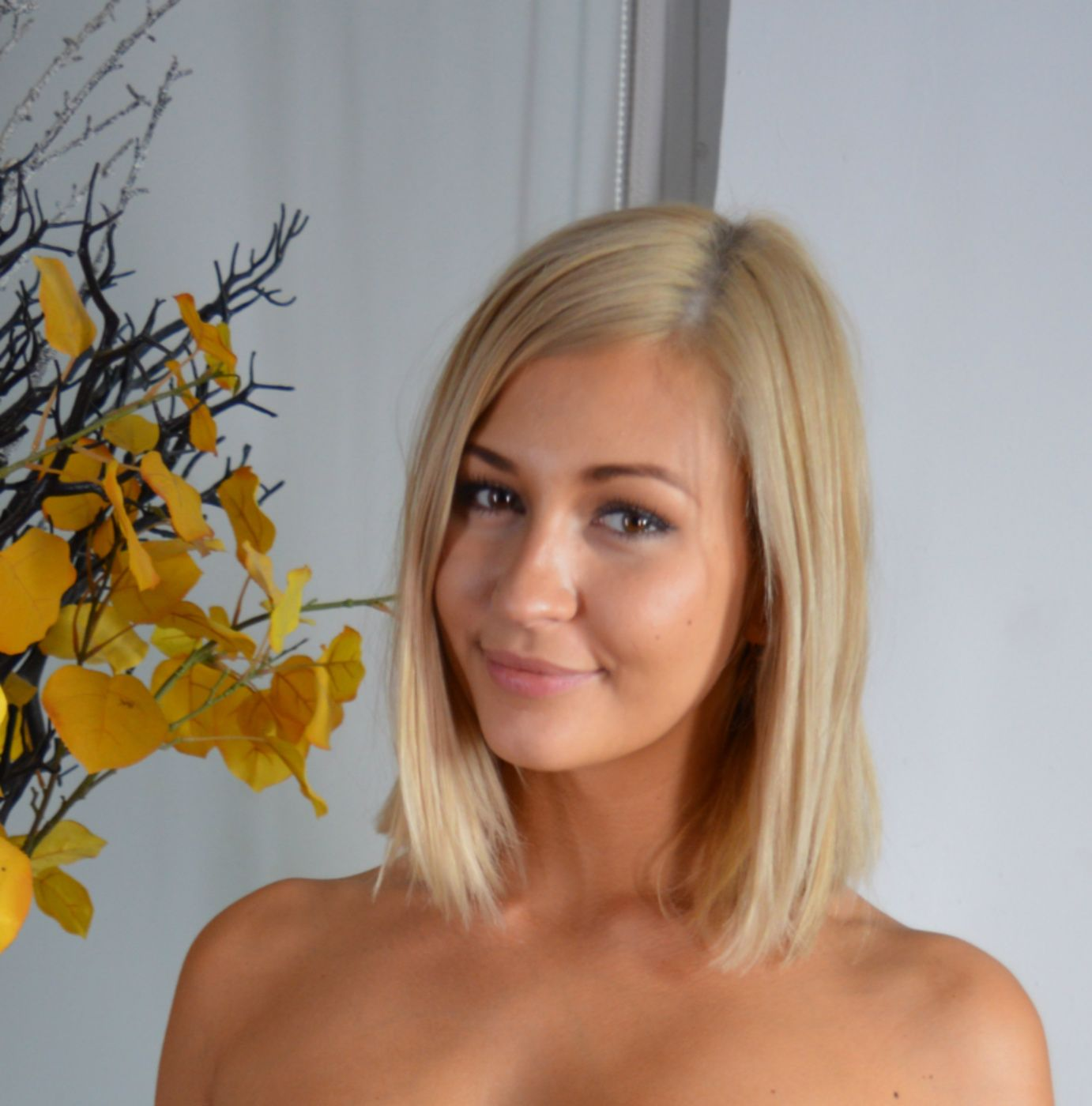 Box of photos: Want To See Me Naked-Tracy Lindsay #sexy # ...
