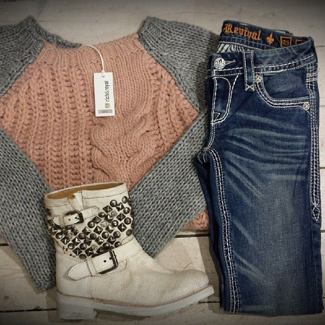 Sweater,Jeans and Boots