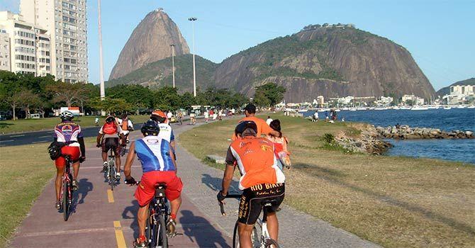 Cicloturismo pelo Rio de Janeiro. O cicloturismo é uma forma de turismo que consiste em viajar de bicicleta. É uma maneira muito saudável, econômica e ecológica de se fazer turismo. Experimente essa ligação quase que mágica entre você e a bicicleta! Adquira novos conhecimentos sobre o Rio de Janeiro.