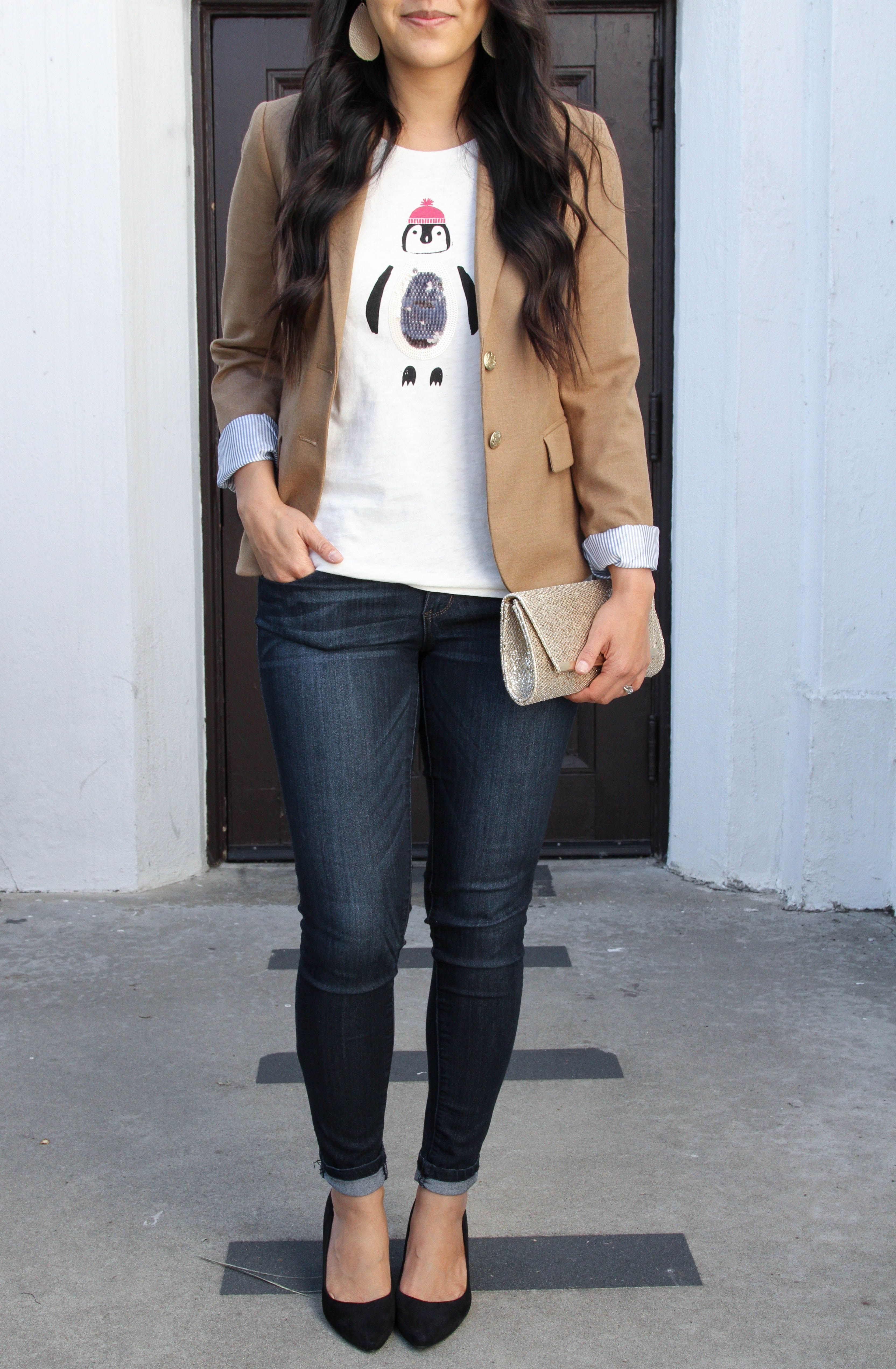 dedfba0328c Dressy Casual Holiday Outfit Ideas  Tan Blazer + Graphic Tee + Skinnies +  Black Pumps + Clutch