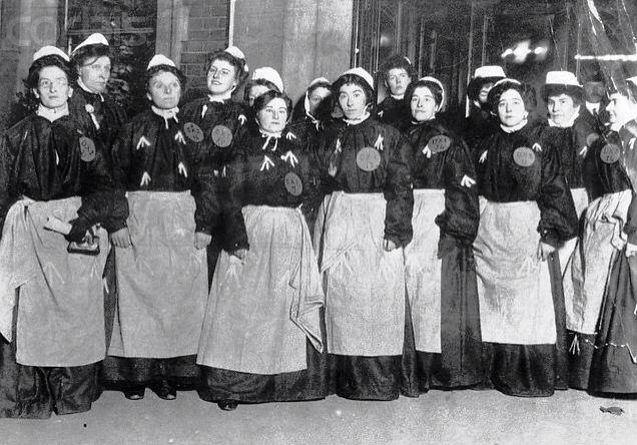 Suffragettes at Holloway prison, London #HappyInternationalWomensDay |  Suffragette, Women in history, Holloway prison