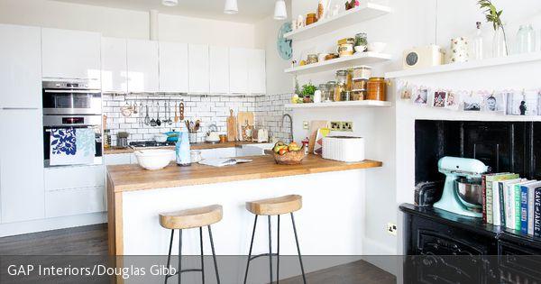 Stilmix aus Alt und Neu in offener Küche Moderner barhocker