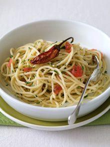Pasta, olio, aglio e peperoncino