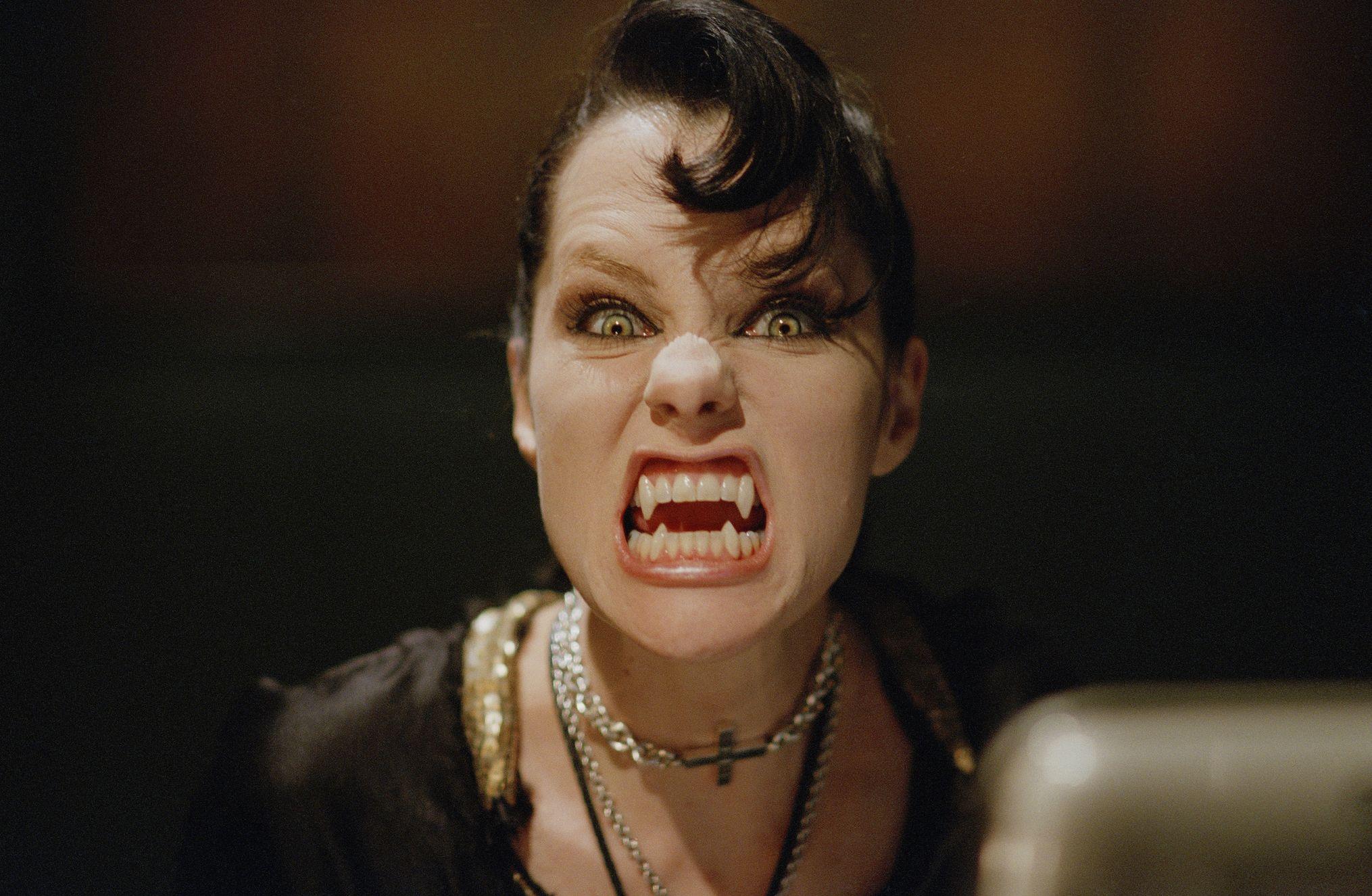 Watch Full Stake Land ⊗♥√ Online   Best vampire movies