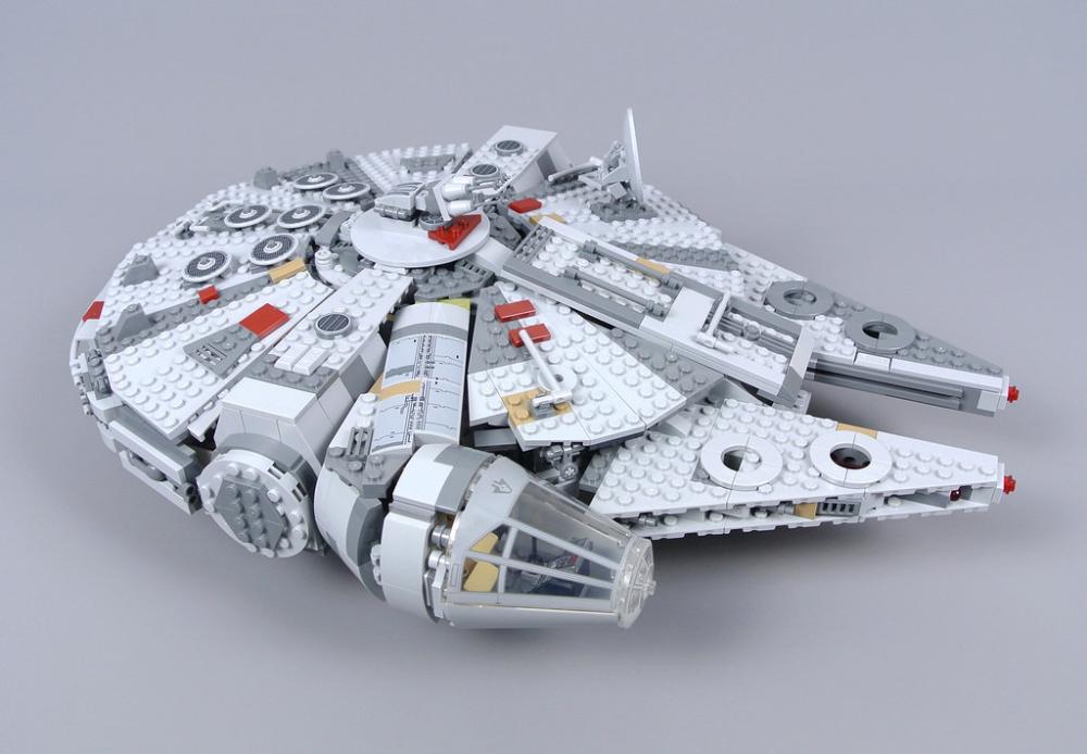 Lego Star Wars 75257 Millennium Falcon Review Lego Star Wars Lego Star Wars Sets Lego Star
