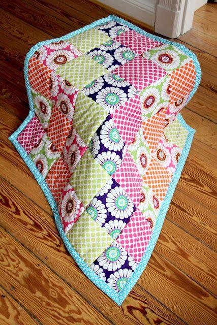 pechschwefel tutorial patchworkdecke teil 4 das einfassen patchwork quilt pinterest. Black Bedroom Furniture Sets. Home Design Ideas