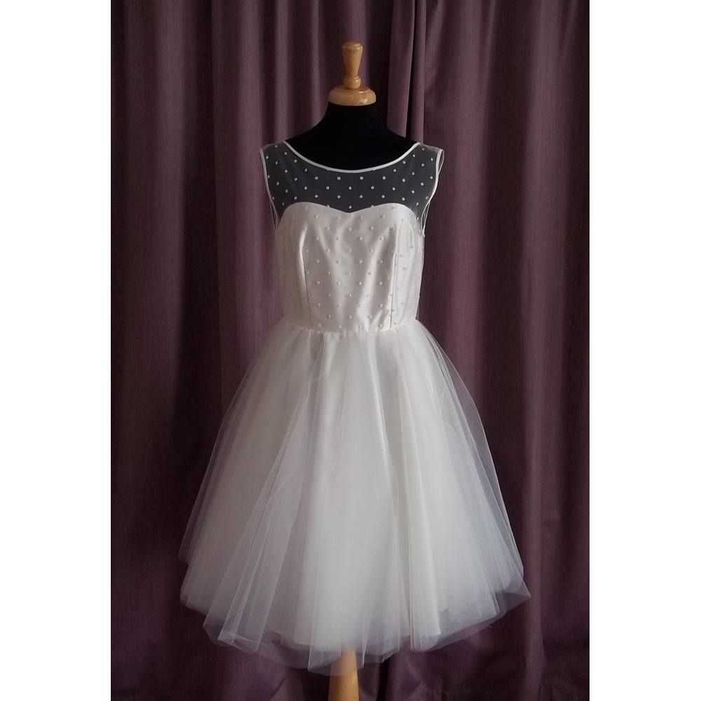Heart Aflutter, Ivory Mini Wedding Dress, Size 10 | Oxfam GB ...