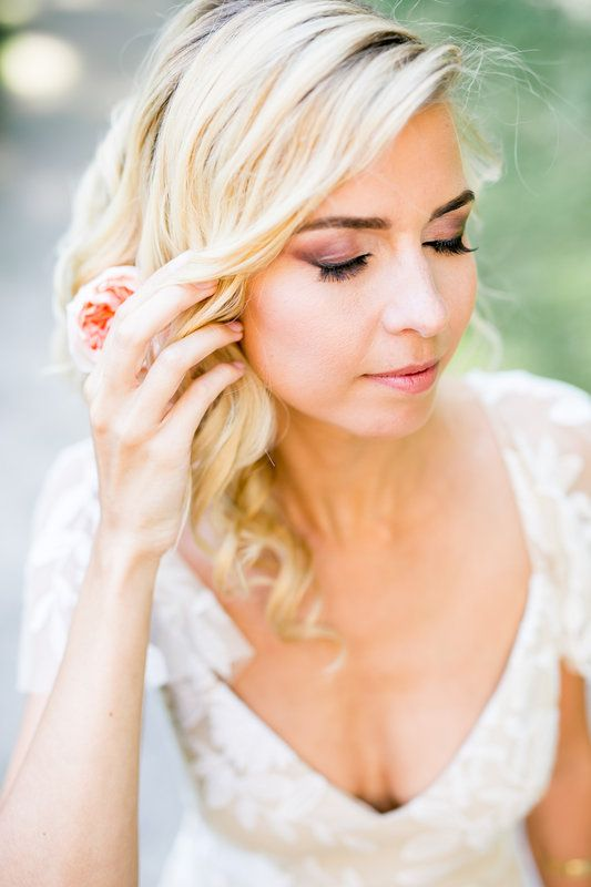 [ STYLED SHOOT ] beautiful pastels with a touch of gold Photos by Jasmijn Brussé Fotografie