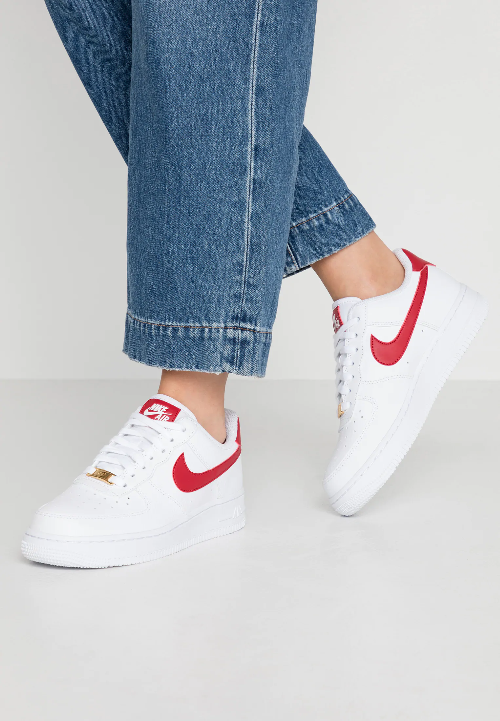 Nike Sportswear Air Force 1 07 Sneakers Laag White Gym Red Metallic Gold Wit Zalando Nl Nike Schoenen Nike Herenmode