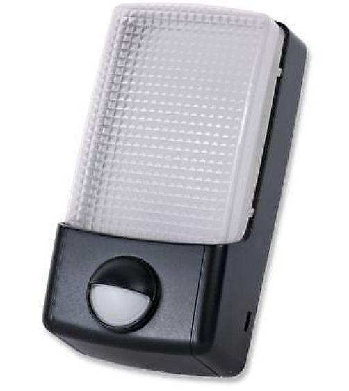 Timeguard led energy saving security light with pir dusk to dawn timeguard led energy saving security light with pir dusk to dawn photocell in home aloadofball Choice Image