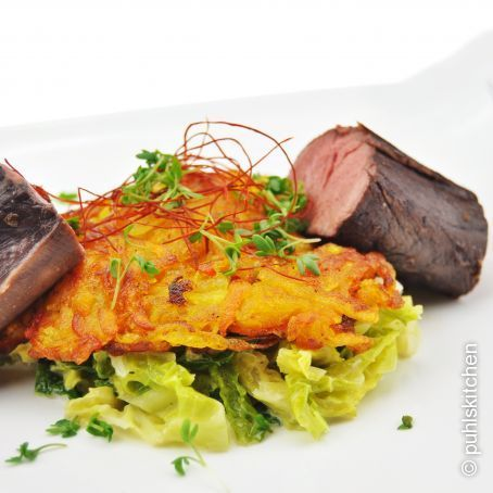 Hirschfilet an Ingwer-Rahm-Wirsing und Kürbis-Kartoffel-Rösti