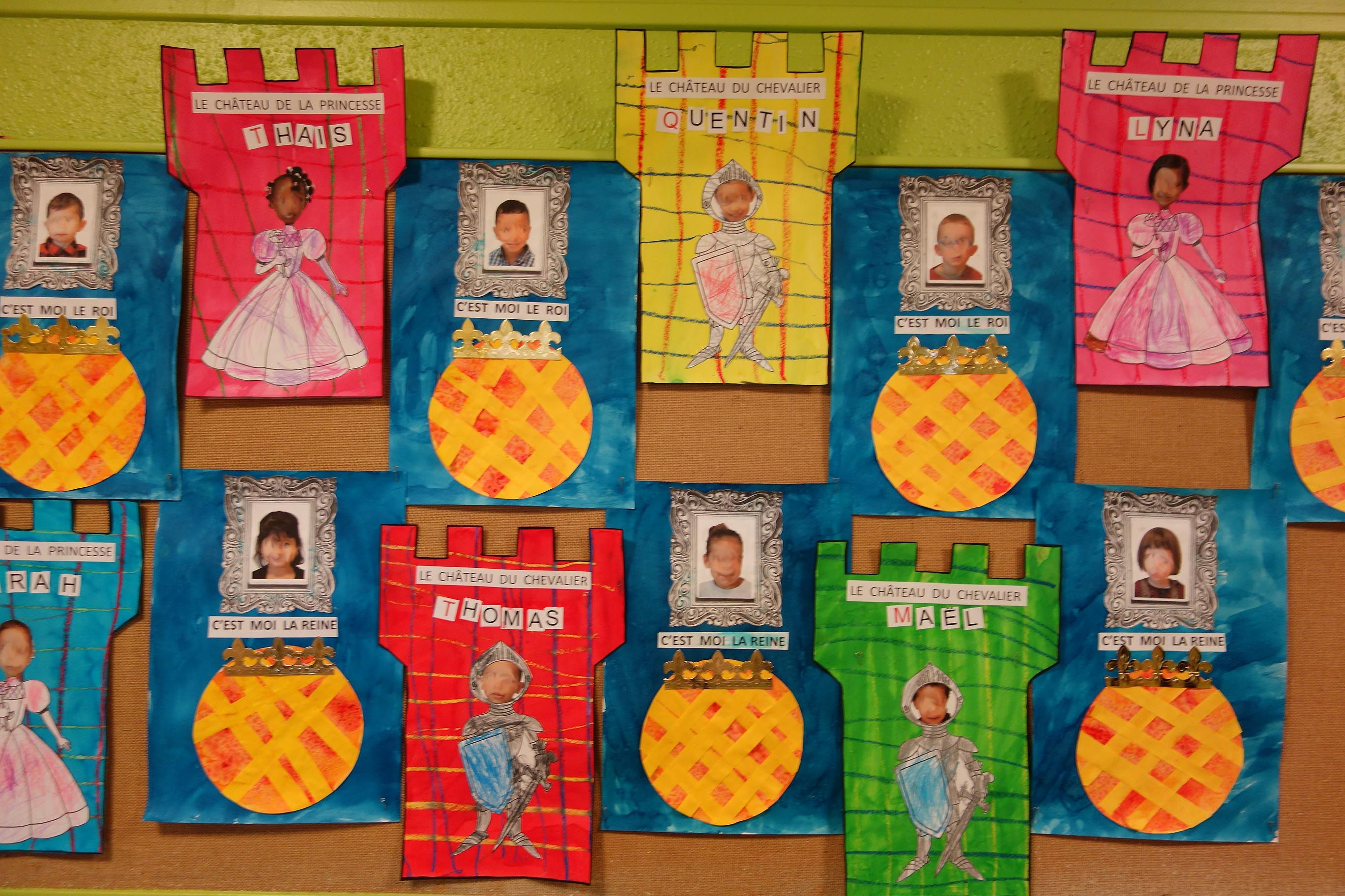 Travaux autour du th me rois reines galettes princesses et for Decoration porte arts visuels