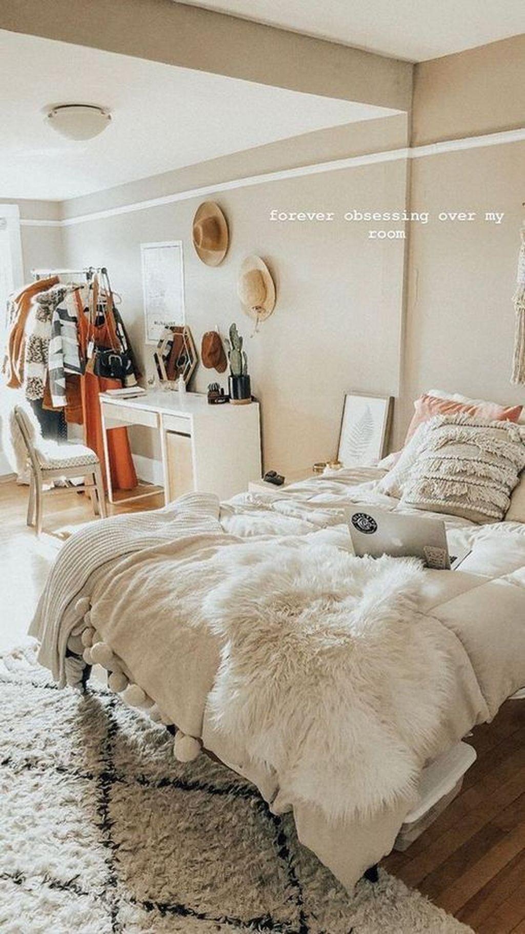 Lastminute Halloween Costume Makeup Ideas Makeupideas In 2020 Minimalist Bedroom Design Room Inspo Room