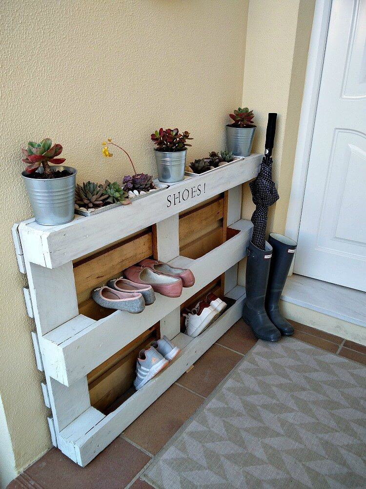 15 Clever Diy Shoe Storage Solutions For Small Spaces Pallet Shoe Rack Diy Shoe Storage Diy Shoe Rack