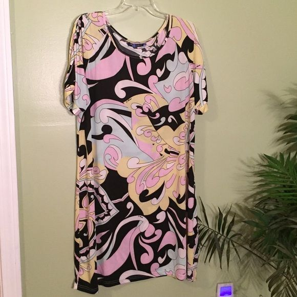 """White Mark Fun Print Dress Used in great condition! Bust 46""""(full), waist 45""""(full), length 37"""", sleeve 12"""". This is stretchy. White Mark Dresses"""
