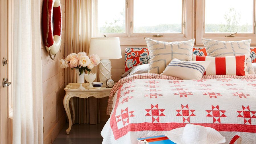 Elegant All-American These coastal rooms sport the best of sailor - schlafzimmer aus zirbenholz