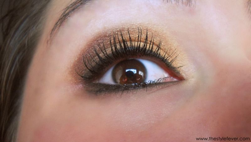 The Style Fever - Fashion and Lifestyle Blog: Review: Mascara Volume Extra Black by Bottega Verde
