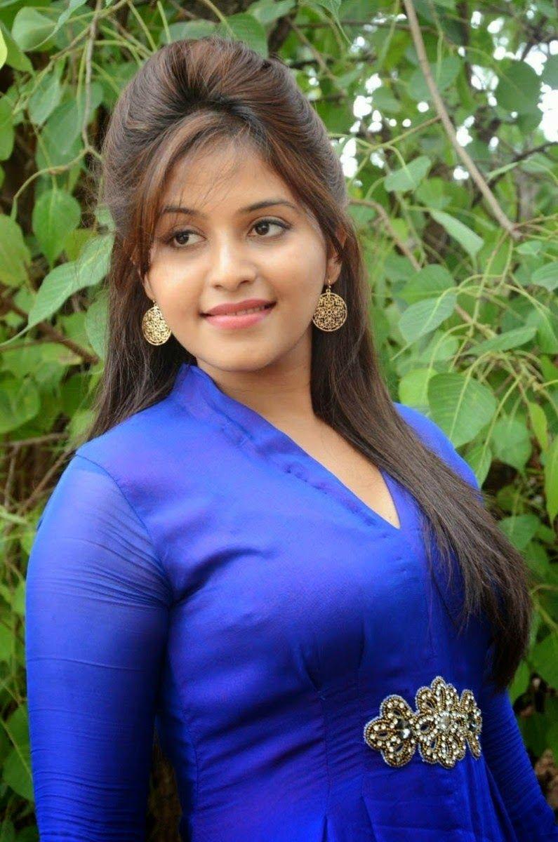 Tamil Telugu Actress Anjali Tight Blue Punjabi Suits In
