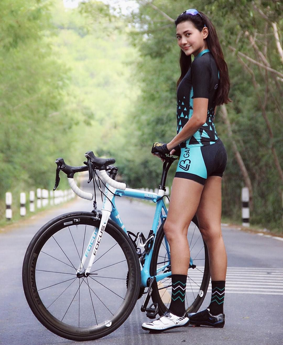 Yoyo Thai Athlete Herbalife Brand Ambassador Singha Focus Adidas Bkk Team Captain Marathoner Cycling Triathlon An In 2020 Cycling Women Cycling Outfit Female Cyclist