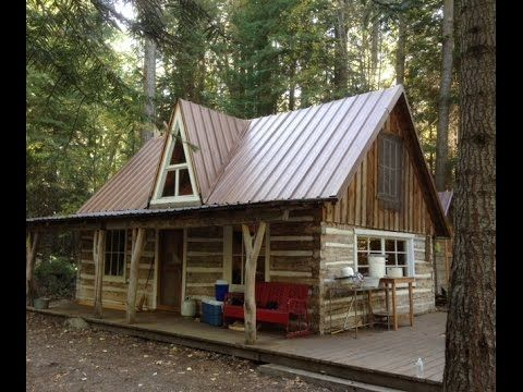 Log Cabin Building Step By Step Demonstration In Laying The Logs In Log Cabin Construction Youtube Log Cabin Exterior Building A Cabin Cabin