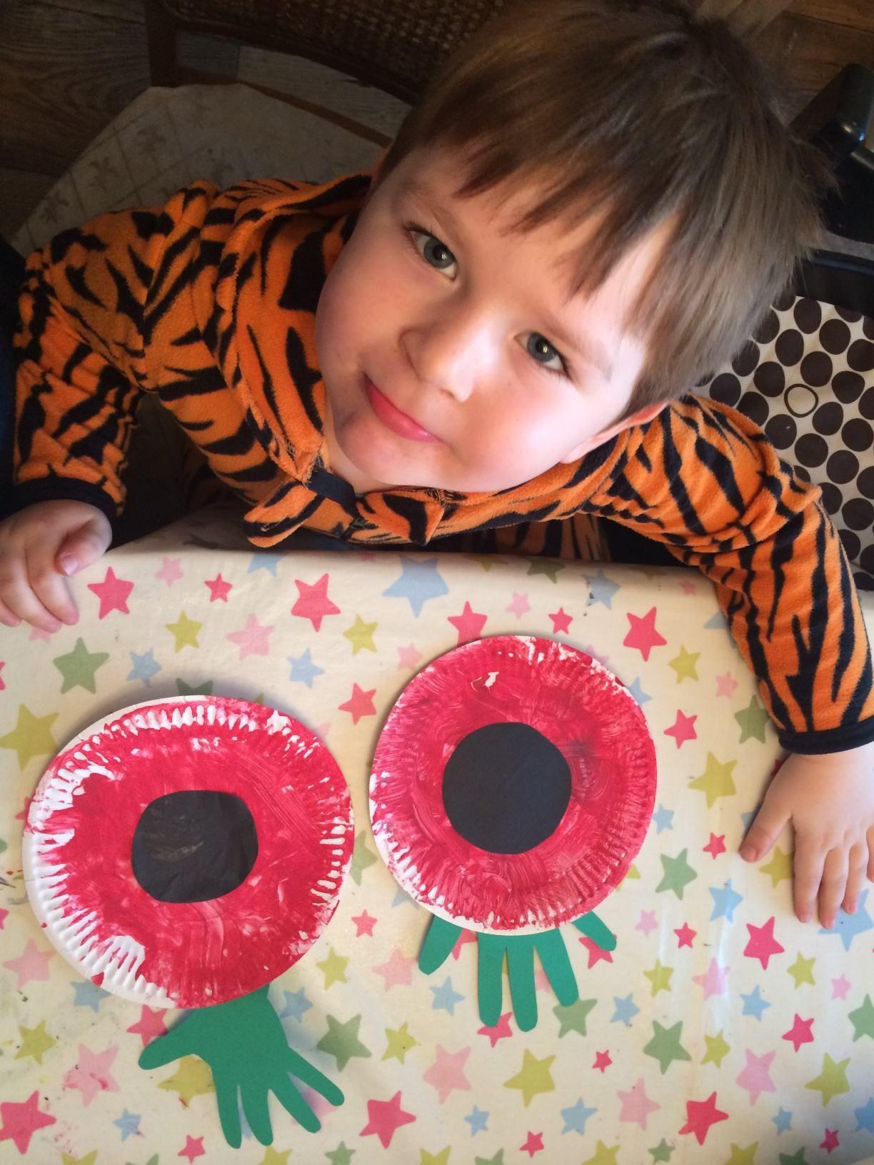 Remembrance Day Poppy craft for children Poppy craft