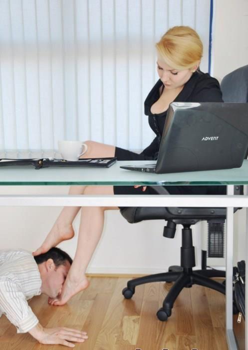 When I Work You Stay Under My Desk Underdeskloser Rtpig