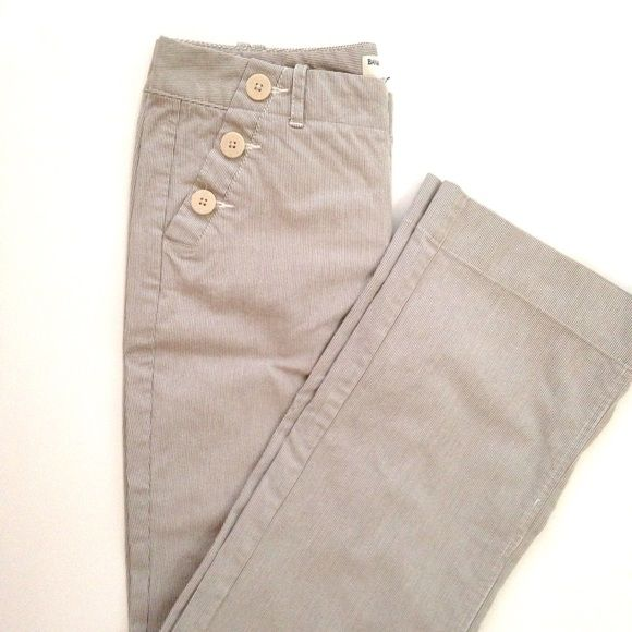 Banana Republic seersucker sailor trousers Martin fit Banana Republic trousers in a light greyish brown & white seersucker stripe. They've only been worn a few times and are in excellent condition. 31 inch inseam with an 8 inch rise. The waist measures approximately 15.5 inches laying flat. The fabric is 97% cotton and 3% spandex, so there is a little bit of stretch. These are such adorable pants for spring & summer! Banana Republic Pants Trousers