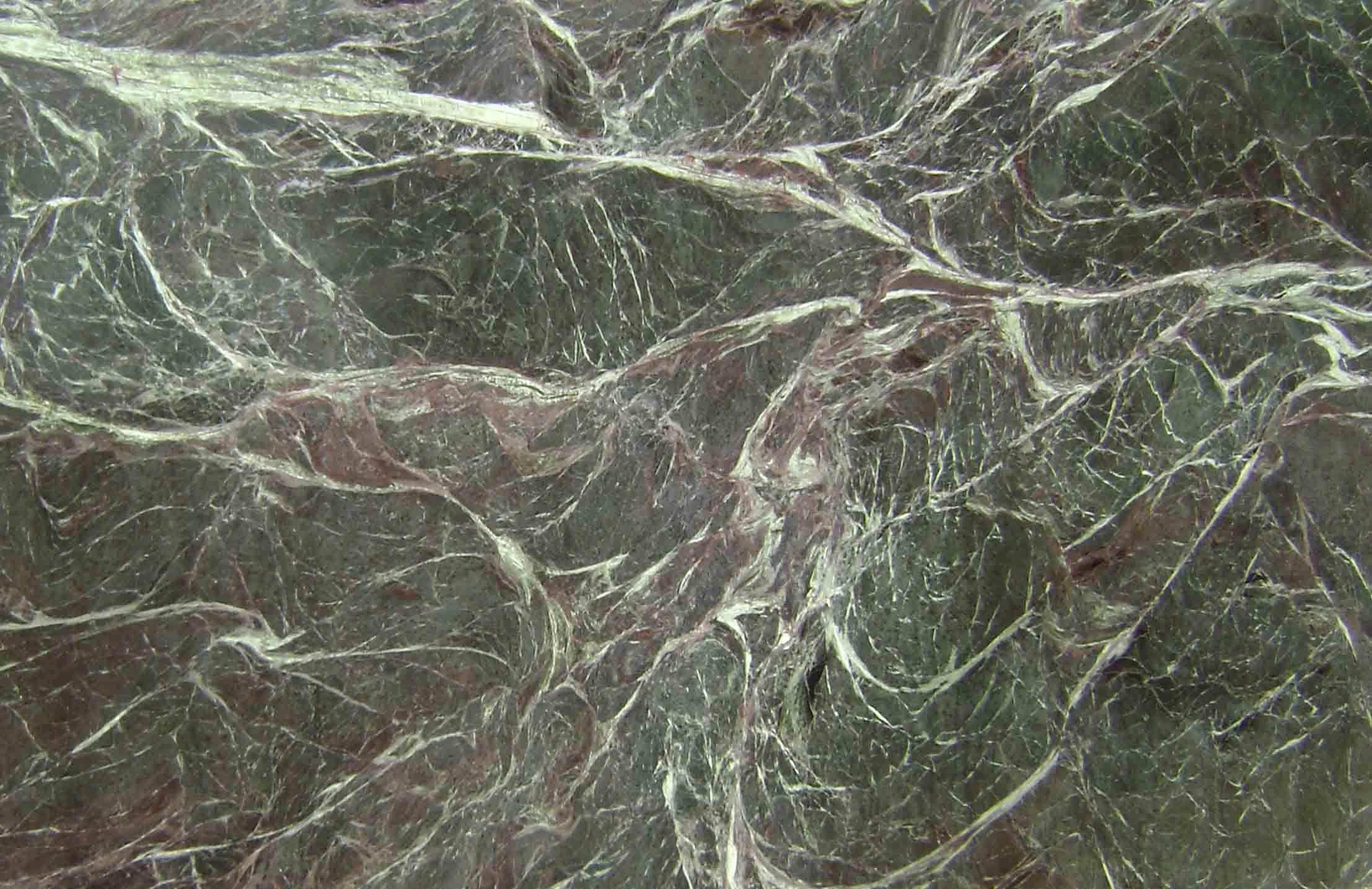 Combien coûte le marbre au m² ? Carrare, blanc, noir, bleu, gris, ... voici les tous les tarifs et informations dont vous avez besoin !
