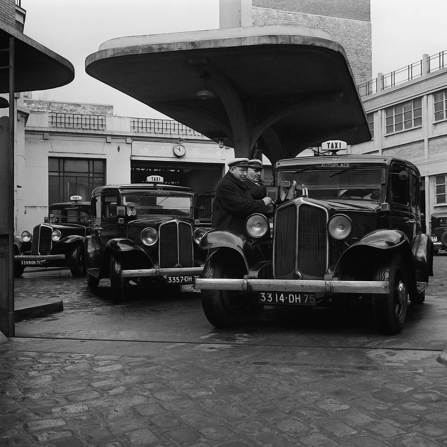 taxis parisiens au d p t de la compagnie fran aise des automobiles de place date 22 03 1955. Black Bedroom Furniture Sets. Home Design Ideas