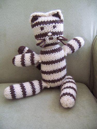 cat rabbit and teddy bear pattern by louisa harding doudous pinterest tricot doudou et chat. Black Bedroom Furniture Sets. Home Design Ideas