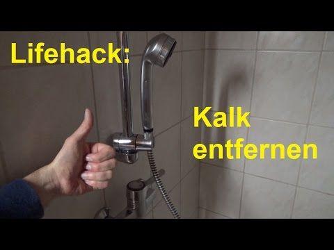 Lifehack Kalk Entfernen Im Badezimmer In Der Dusche Badewanne Duschkopf Entkalken Youtube In 2020 Badezimmer Fliesen Duschkopf Dusche Fliesen