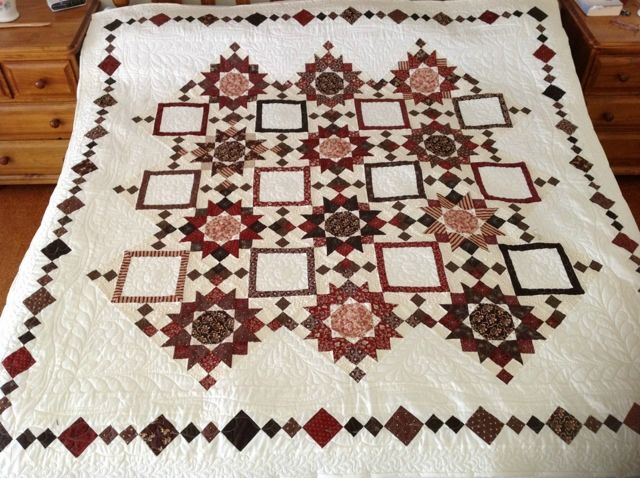Helen's Patchwork Passion: Cherry Chocolate Quilt.
