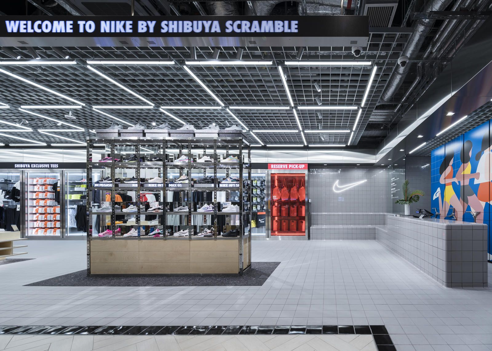 Cerdito Ajustarse servir  Nike Live Launches in Long Beach and Tokyo in 2020   Concept store, Store  design interior, Basketball store